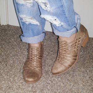 NIB Tan Ankle Booties